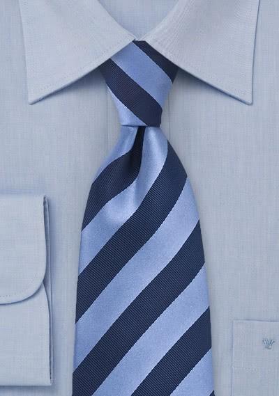 Krawatte blau hellblau Streifenmuster