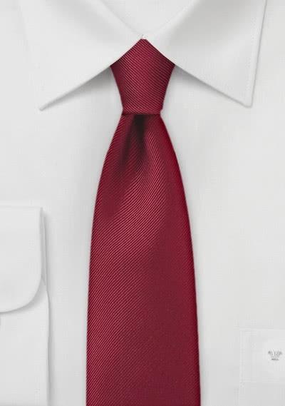 Einfarbige schmale  Krawatte mit Rippsstruktur in