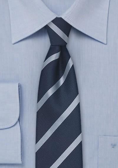 Schmale Krawatte schmale Streifen in blau