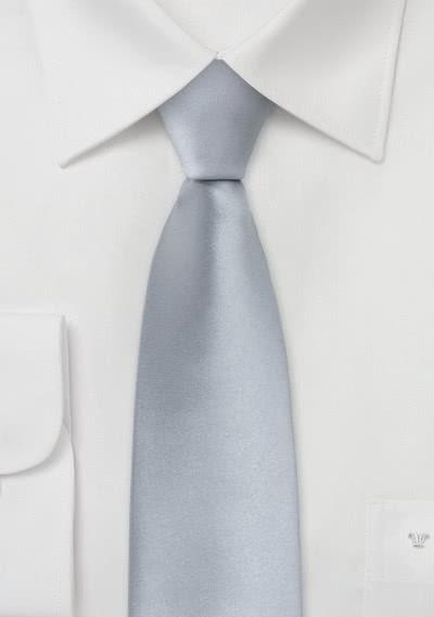 Schmale Krawatte in kühlem silber